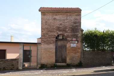 10 Largo Parzanese - ex Mercato Coperto